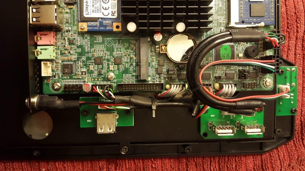 J1900 POS Terminal - Closeup 2